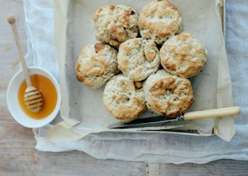 1310 Lemon myrtle and macadamia scones (Anzac day release 22 04 14) (2)