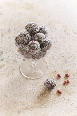 IMG_Fig_and_Cashew_Energy_Balls