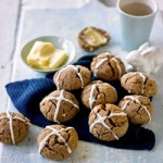 Recipe: Clean Eating Hot Cross Buns